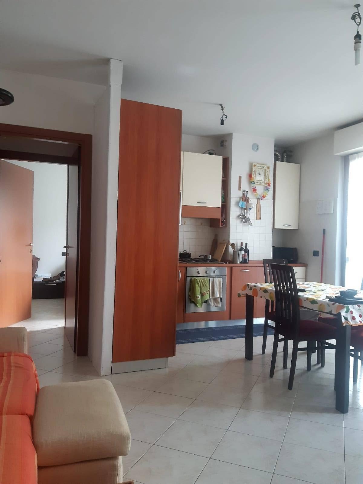 Appartamento in vendita a Turate, 2 locali, prezzo € 122.000   CambioCasa.it