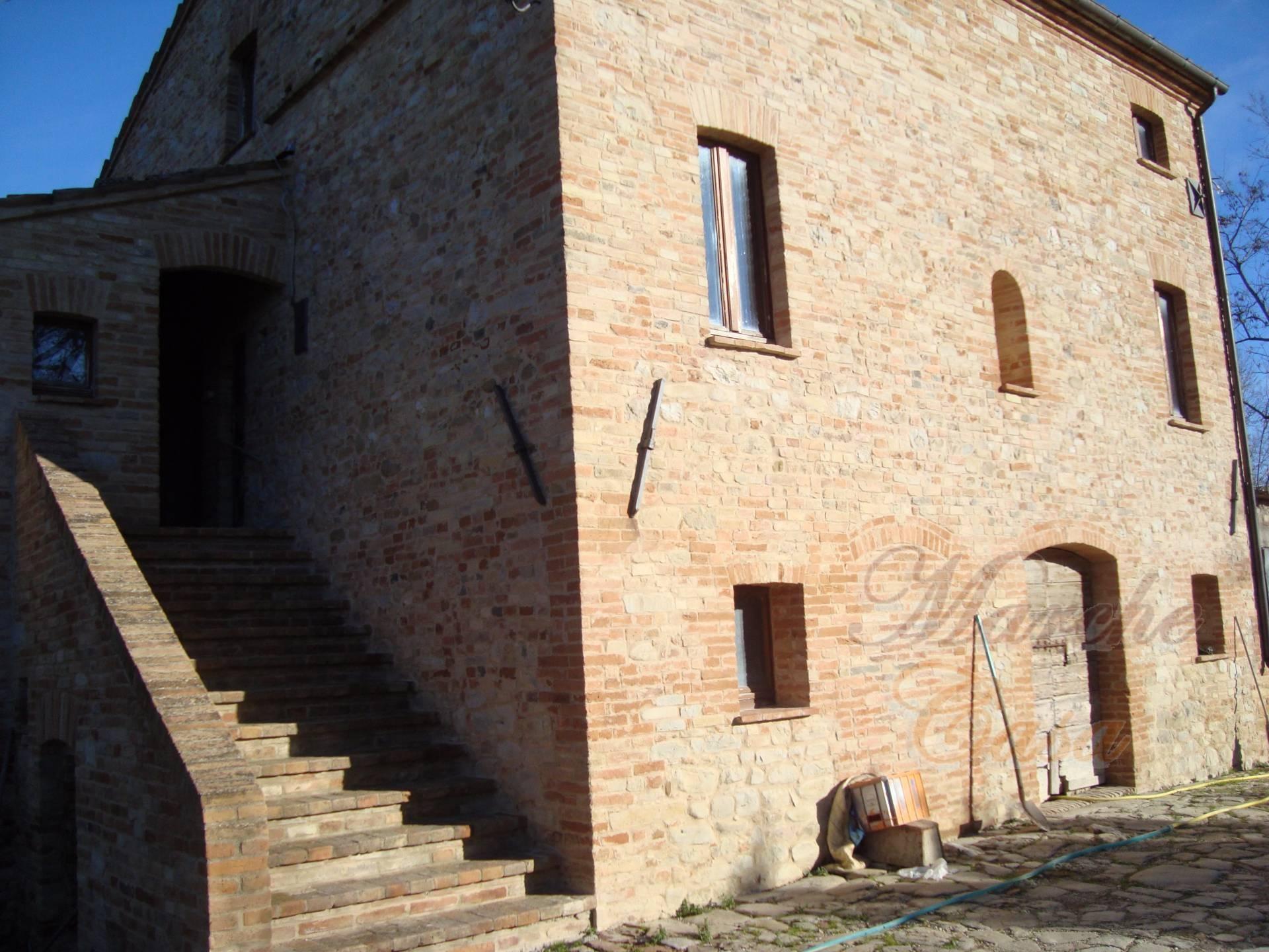 rustico cascina vendita montedinove di metri quadrati 300
