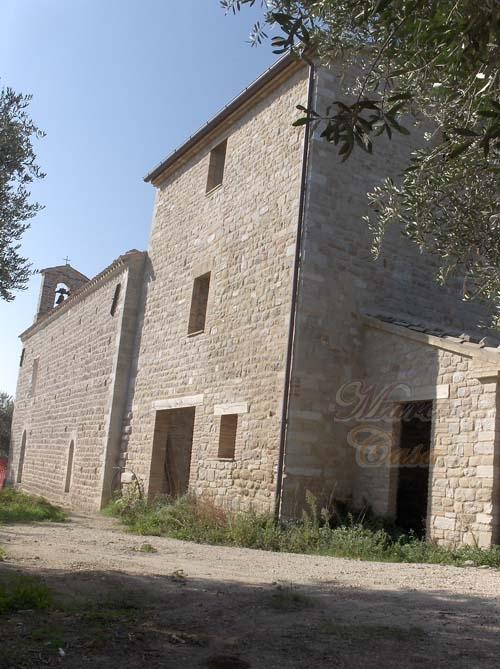 Rustico / Casale in vendita a Cingoli, 5 locali, prezzo € 220.000 | CambioCasa.it