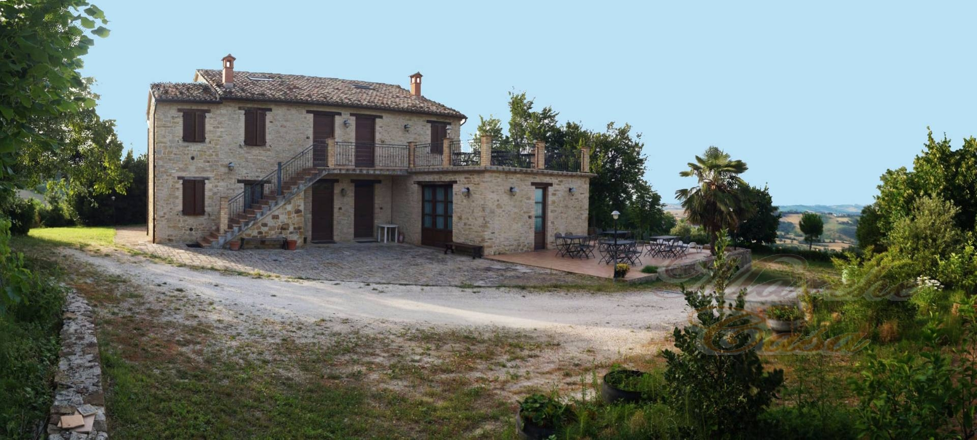 Rustico / Casale in vendita a Cingoli, 20 locali, prezzo € 830.000 | CambioCasa.it