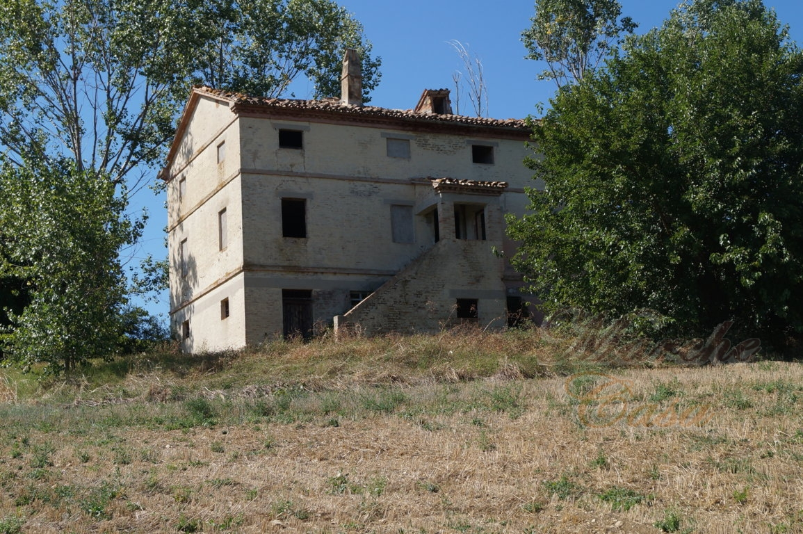 Country Home For Sale Il Terzo Casale In The Beautiful