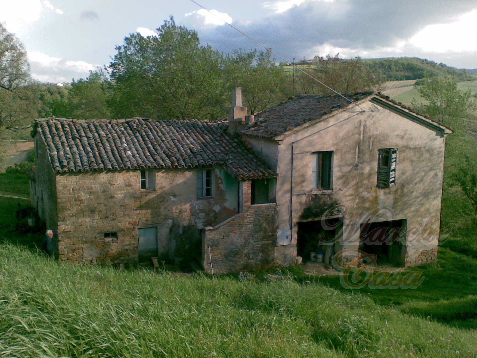 Rustico / Casale in vendita a Arcevia, 10 locali, prezzo € 90.000 | CambioCasa.it