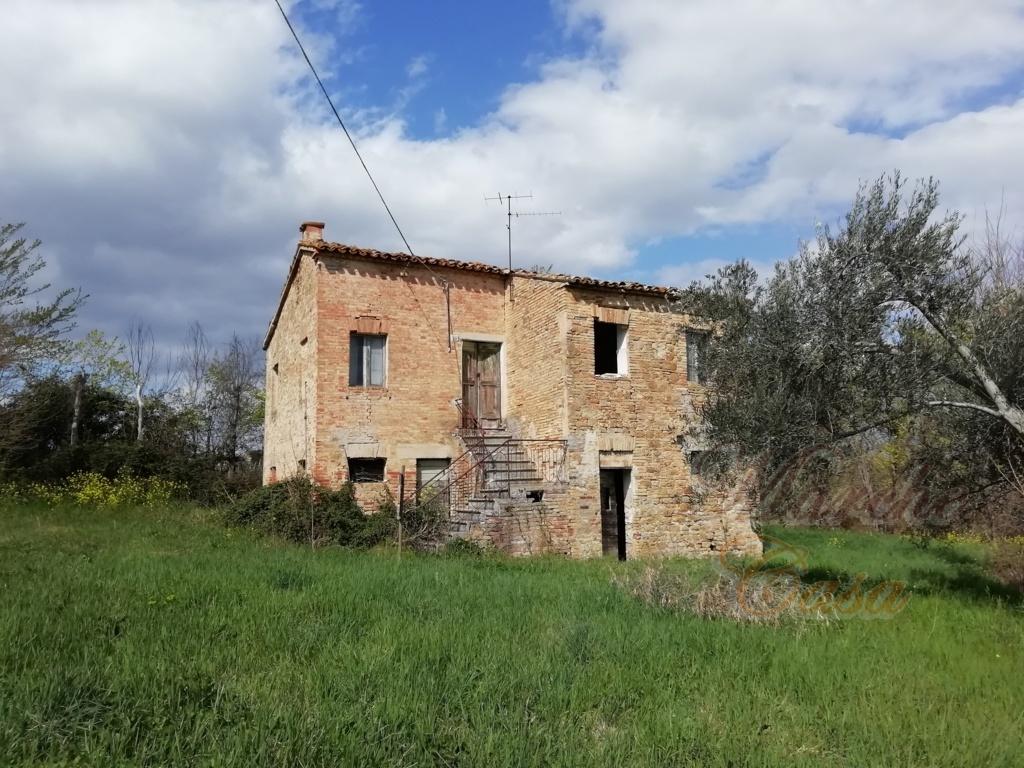 Rustico / Casale in vendita a Staffolo, 5 locali, prezzo € 67.000 | CambioCasa.it