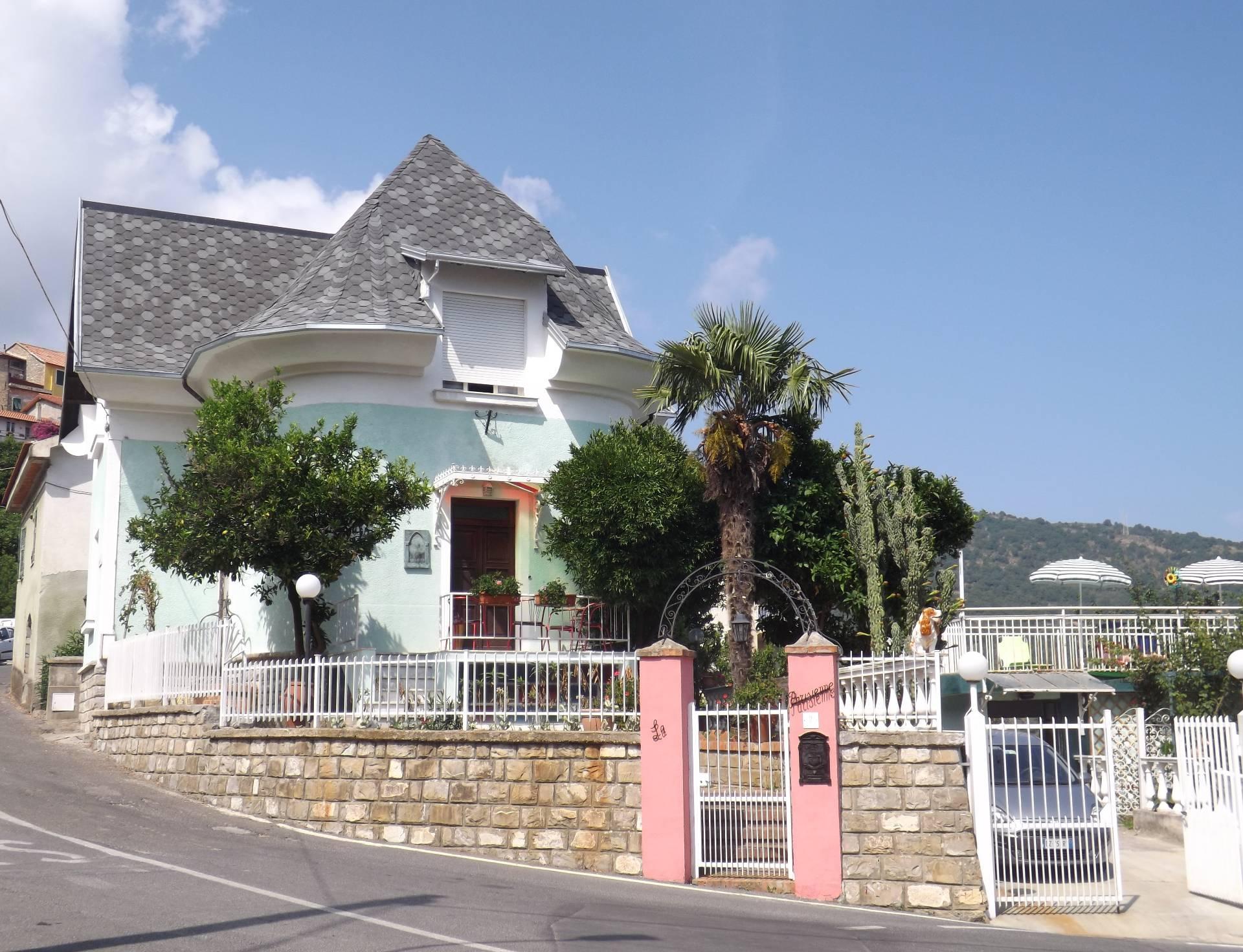 Villa in vendita a Diano Marina, 8 locali, zona Località: DianoArentinoeFrazioni, prezzo € 235.000 | Cambio Casa.it