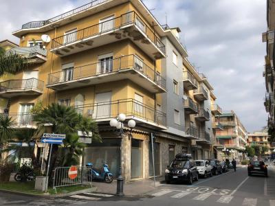 5 locali in Vendita a Diano Marina