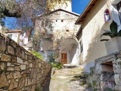 2 locali in Vendita a Diano San Pietro