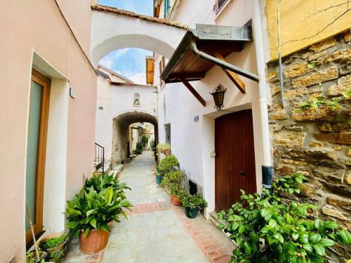 Appartamenti in Vendita a Diano Castello