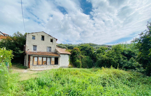 Casa indipendente in Vendita a Diano Marina