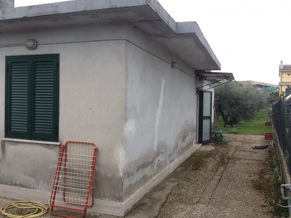 Bilocale Albano Laziale Via Degli Ulivi 2
