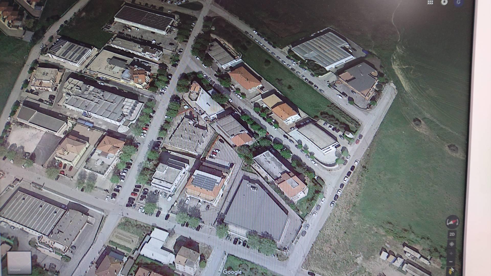 Laboratorio in vendita a Fermo, 9999 locali, Trattative riservate | CambioCasa.it