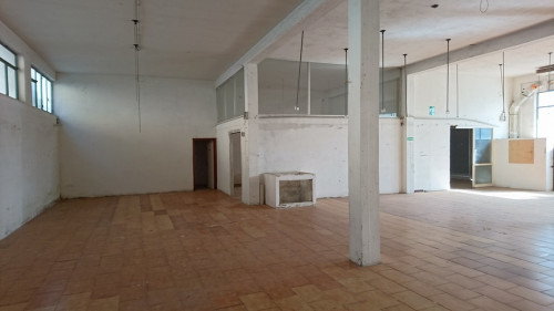 Laboratorio con ufficio in Vendita a Fermo