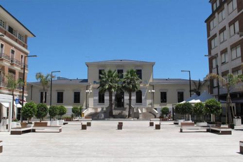 Negozio, studio o ufficio in Affitto a Porto San Giorgio