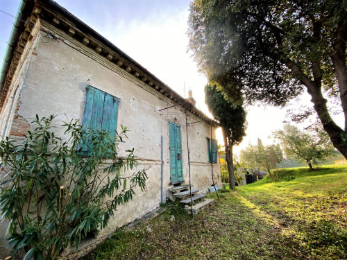 Villa con parco in Vendita a Fermo