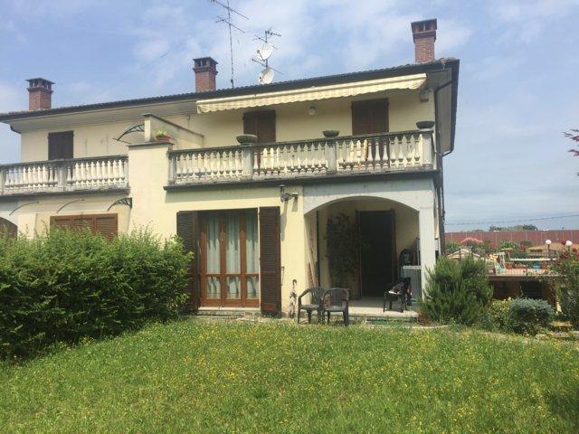 Villa in vendita a Stradella, 3 locali, prezzo € 175.000 | Cambio Casa.it