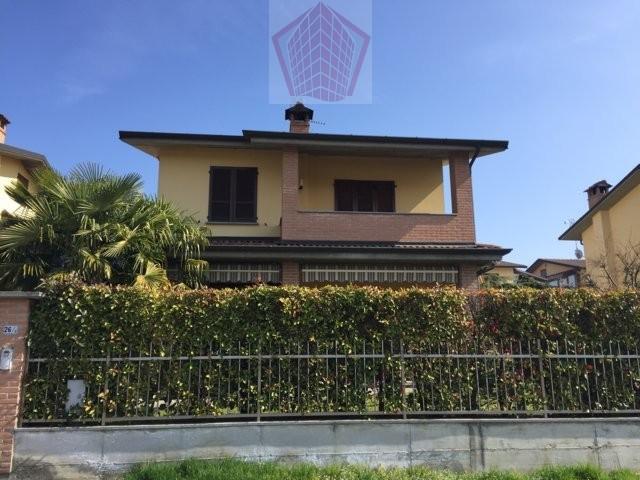 Villa in vendita a Stradella, 4 locali, prezzo € 250.000 | Cambio Casa.it