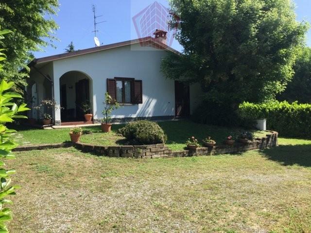 Villa in vendita a Spessa, 4 locali, prezzo € 340.000 | CambioCasa.it