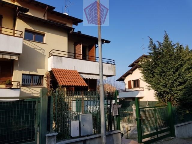Villa a Schiera in Vendita a Casteggio