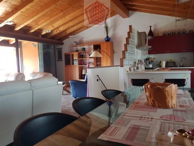 Soluzione Indipendente in vendita a Broni, 5 locali, prezzo € 155.000 | CambioCasa.it