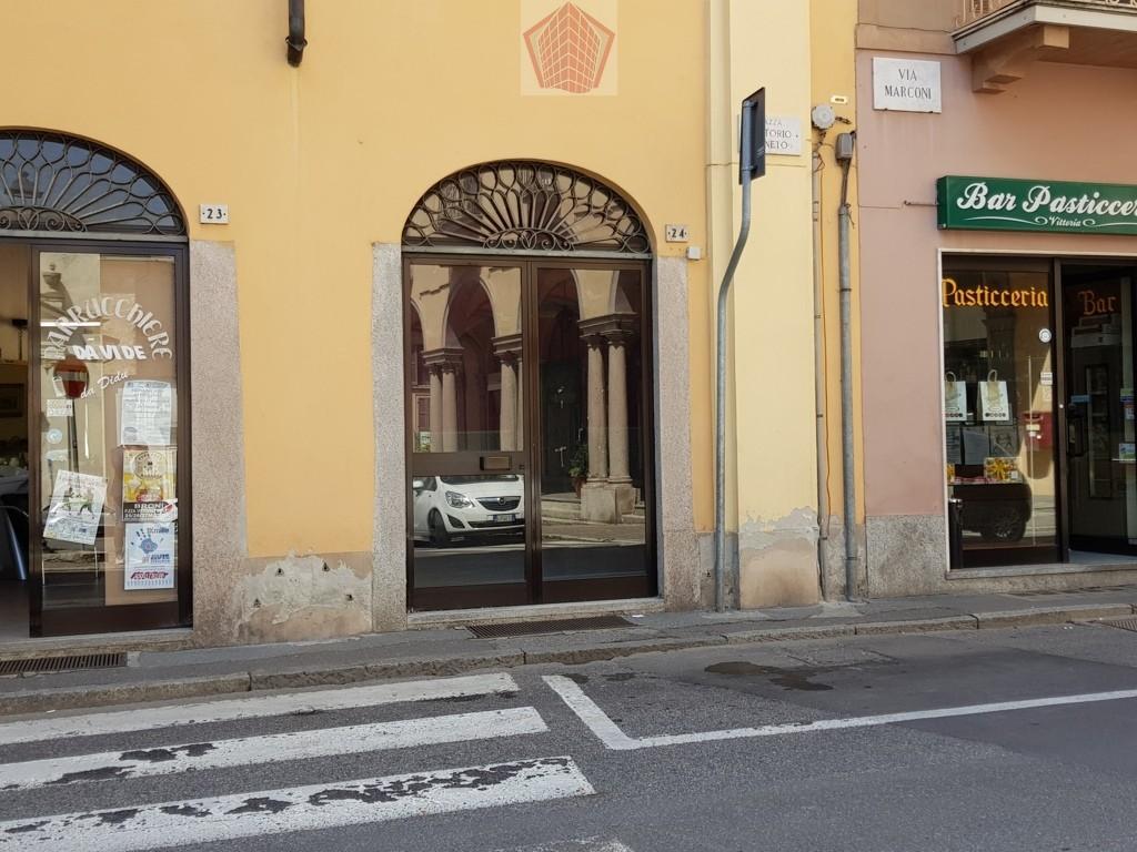 Negozio / Locale in affitto a Stradella, 9999 locali, prezzo € 400 | CambioCasa.it