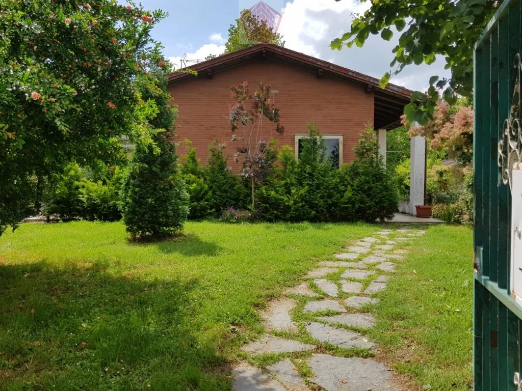 Villa in vendita a Arena Po, 3 locali, prezzo € 140.000 | CambioCasa.it
