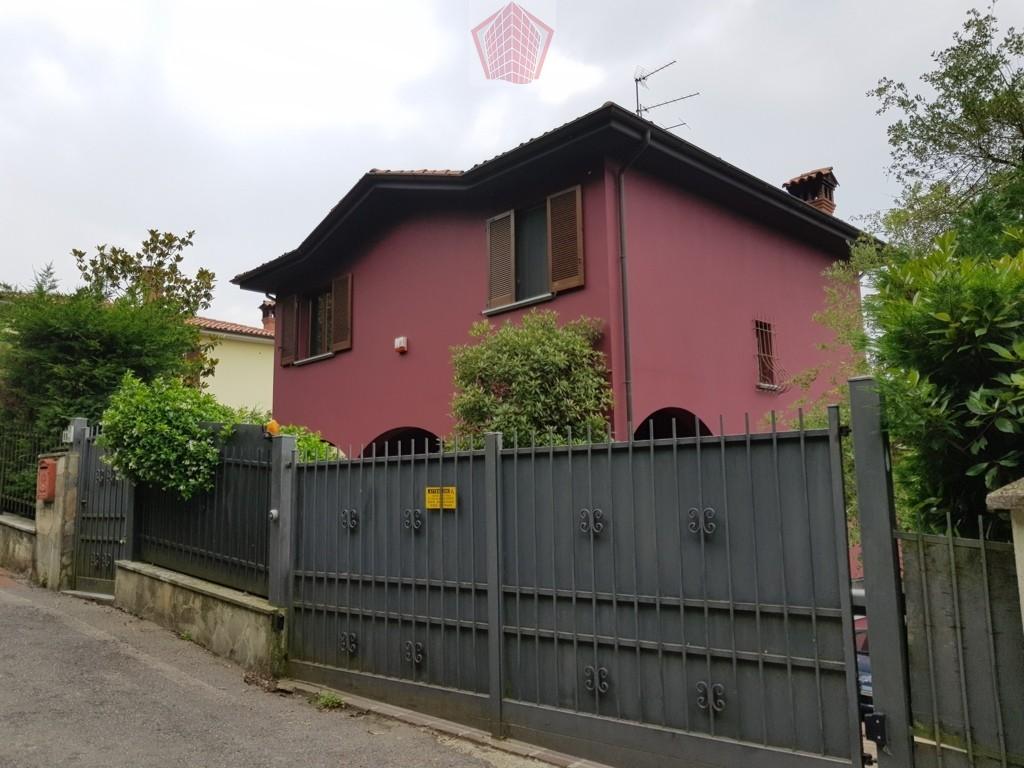 Villa in vendita a Broni, 6 locali, prezzo € 350.000   CambioCasa.it
