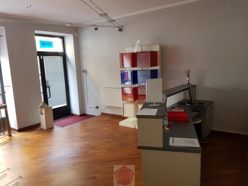 Negozio / Locale in affitto a Stradella, 9999 locali, prezzo € 800 | CambioCasa.it