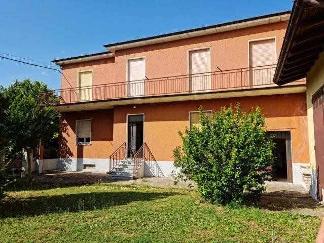 Soluzione Indipendente in vendita a Montù Beccaria, 4 locali, prezzo € 125.000   CambioCasa.it