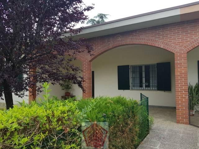Villa in affitto a Arena Po, 5 locali, prezzo € 750 | CambioCasa.it