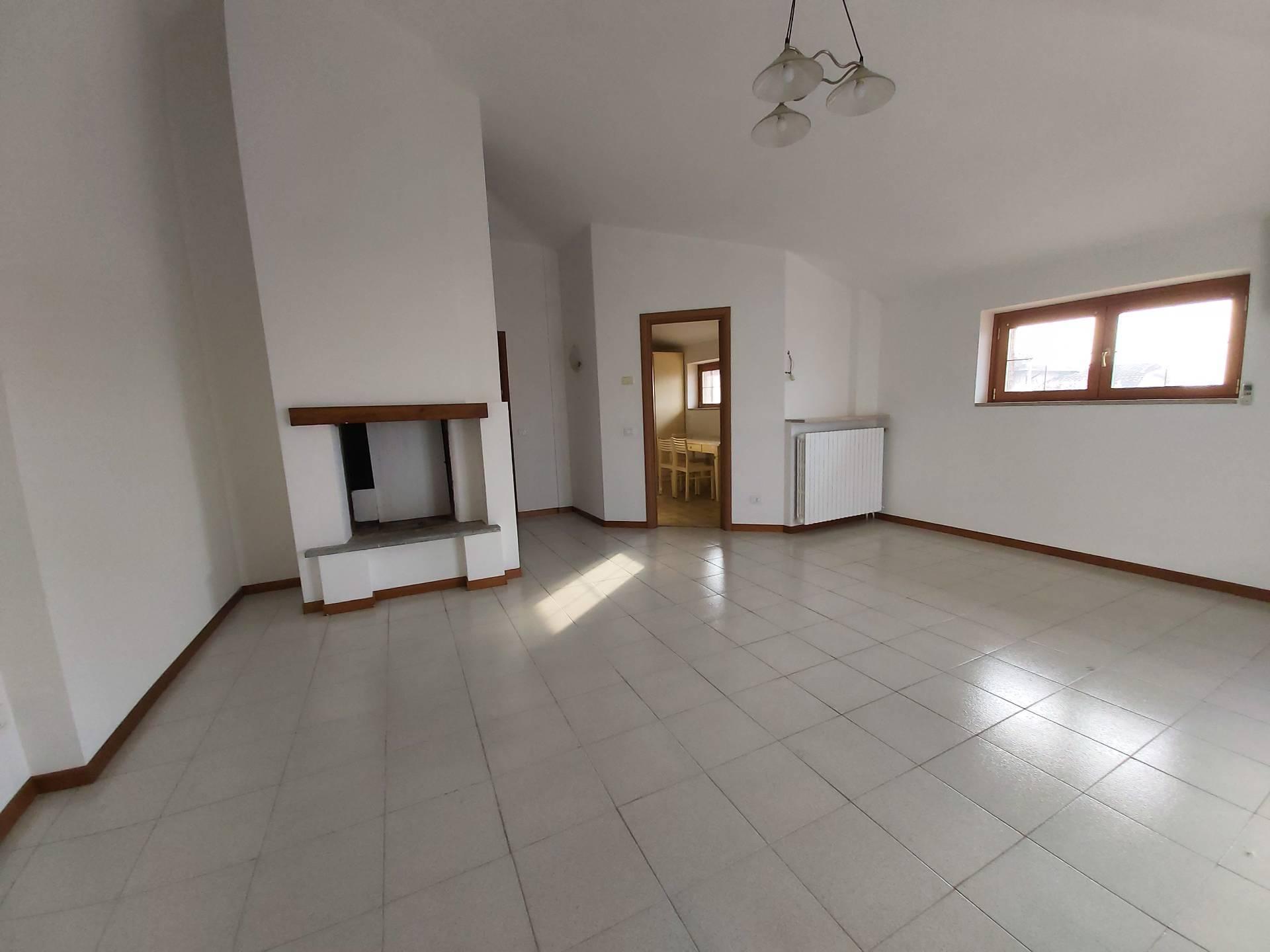 Appartamento in vendita a Flero, 3 locali, prezzo € 162.000 | CambioCasa.it