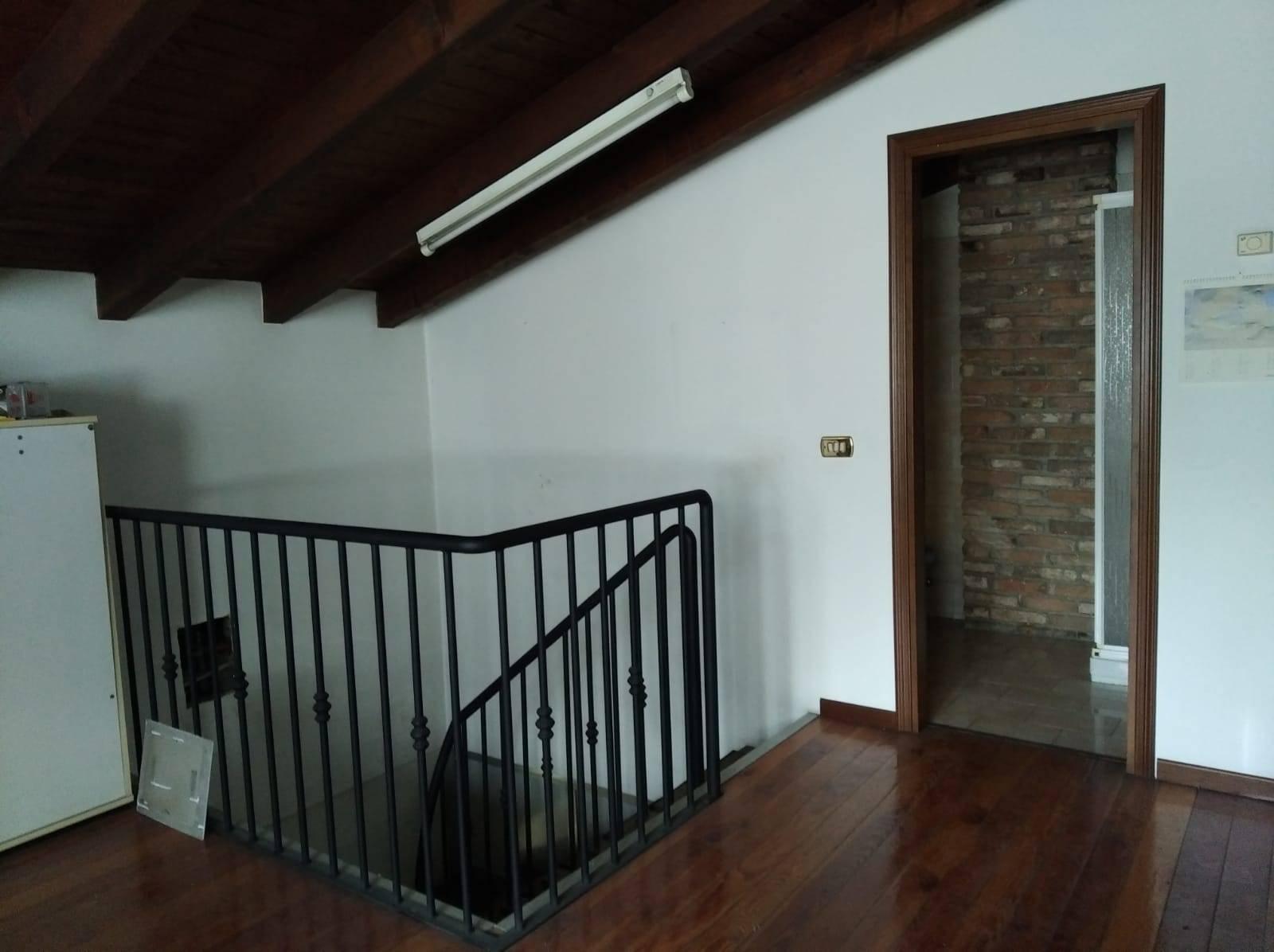 Appartamento in vendita a Lumezzane, 4 locali, zona Zona: Piatucco, prezzo € 89.000 | CambioCasa.it
