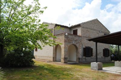Villa for Sale to Potenza Picena