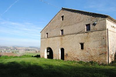 Rustic/Farmhouse for Sale to Potenza Picena