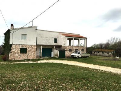 Rustic/Farmhouse for Sale to Treia