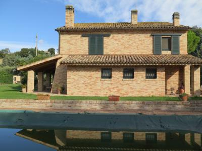 Villa in Vendita a Loreto