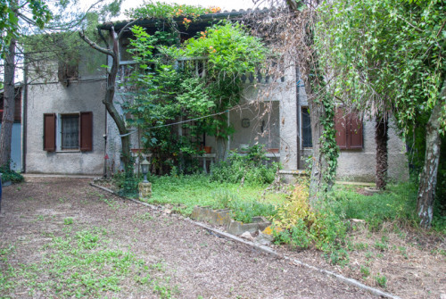 Rustic/Farmhouse for Sale to Montelupone