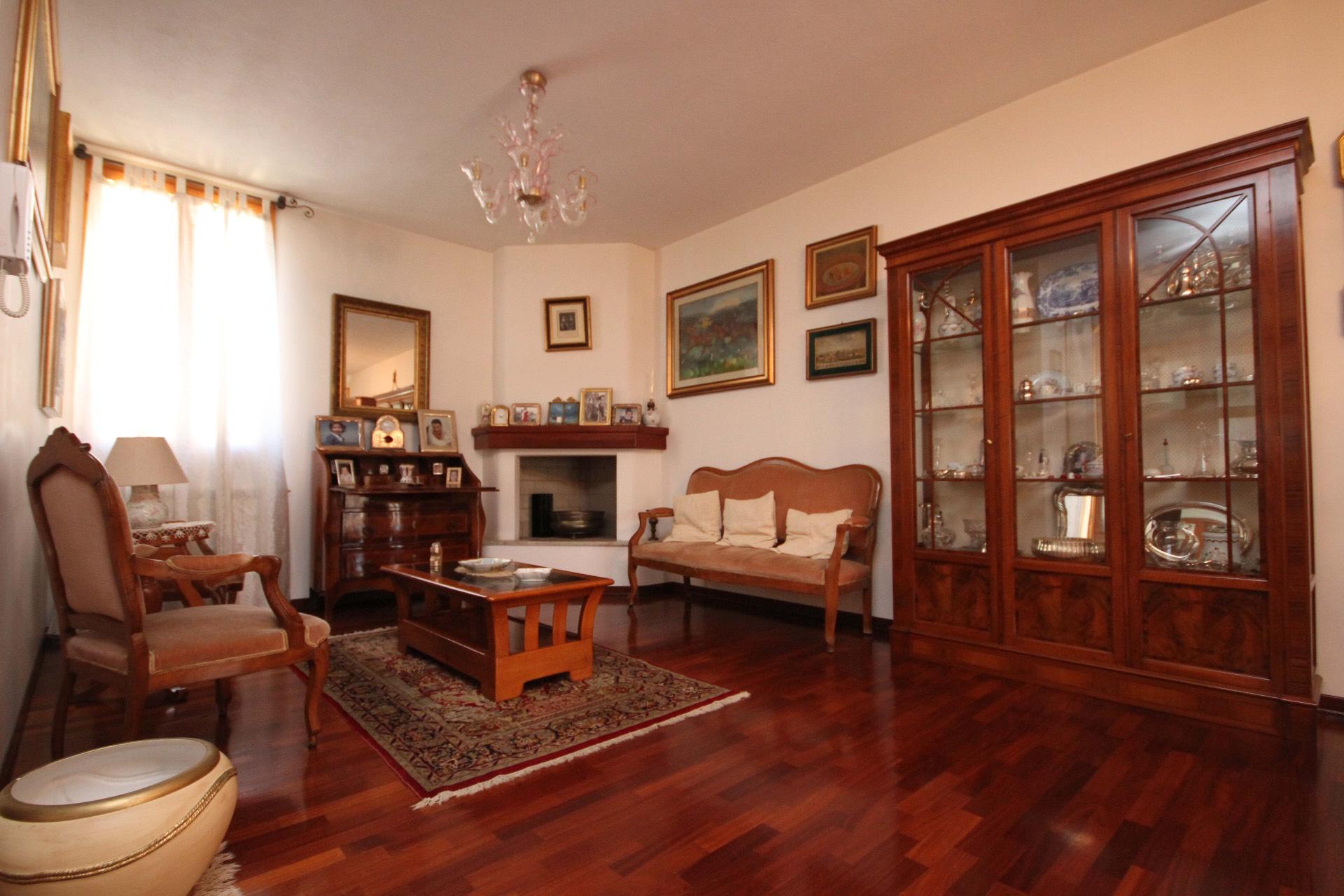 Villa in vendita a Quartu Sant'Elena, 5 locali, zona Località: SanBendetto-ViaFiume, prezzo € 410.000 | Cambio Casa.it