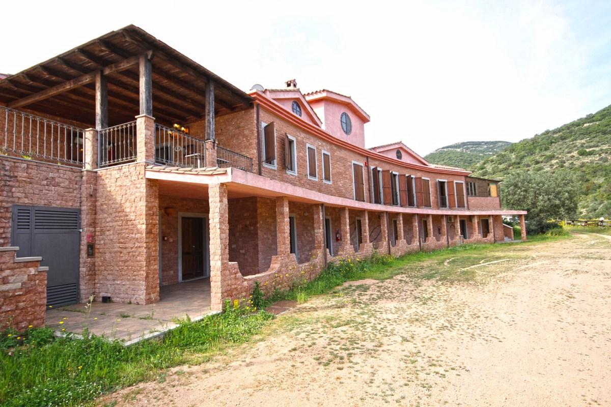 Albergo in vendita a Burcei, 9999 locali, Trattative riservate   Cambio Casa.it