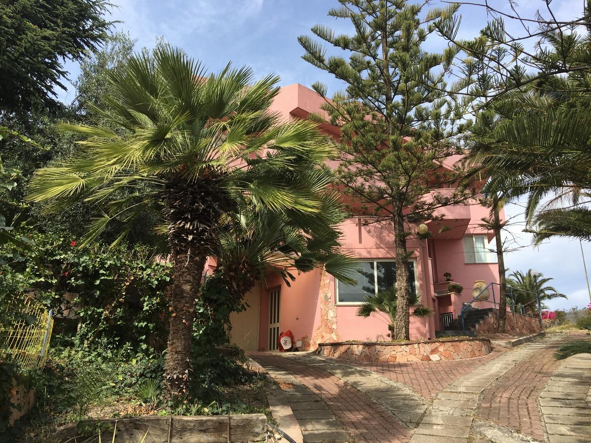 Villa in vendita a Quartu Sant'Elena, 10 locali, zona Località: MargineRosso-S.Anastasia, prezzo € 700.000 | Cambio Casa.it