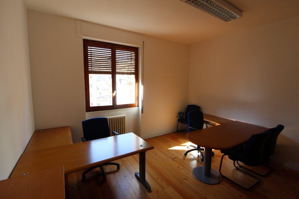 Ufficio / Studio in affitto a Cagliari, 9999 locali, zona Località: MonteUrpinu, prezzo € 1.000 | Cambio Casa.it