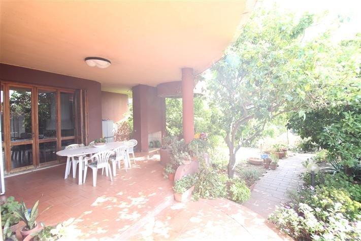 Villa in vendita a Cagliari, 9 locali, zona Località: QuartiereEuropeo, Trattative riservate | Cambio Casa.it