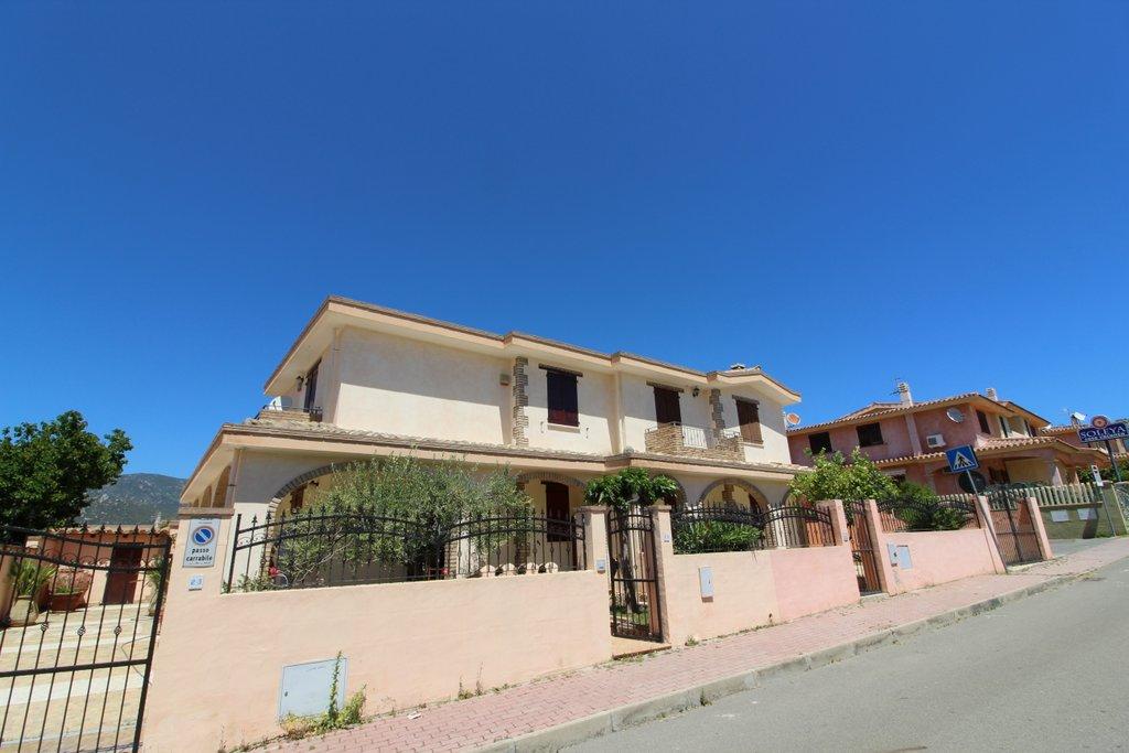 Villa in vendita a Villasimius, 4 locali, prezzo € 249.000 | Cambio Casa.it