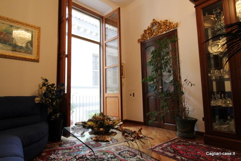 Appartamento in vendita a Cagliari, 3 locali, zona Zona: Castello, prezzo € 249.000 | CambioCasa.it