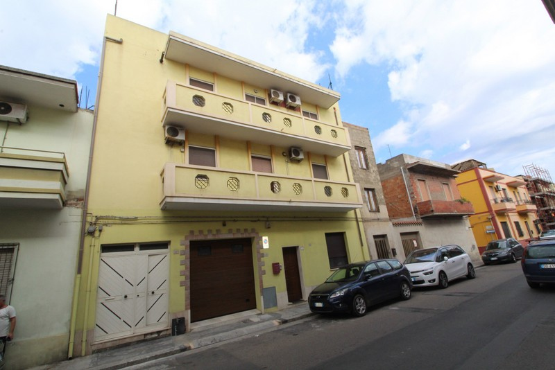 vendita appartamento quartu sant'elena centro via cagliari - mer  139000 euro  4 locali  95 mq