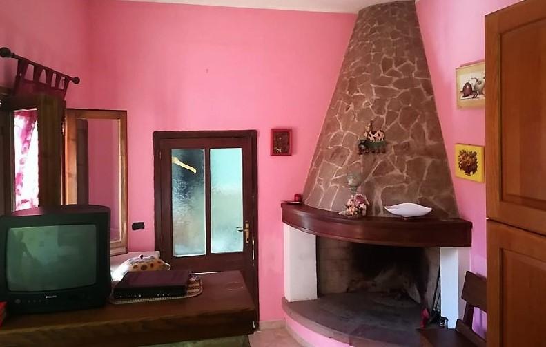 Villa in vendita a Sardara, 4 locali, prezzo € 53.000 | CambioCasa.it