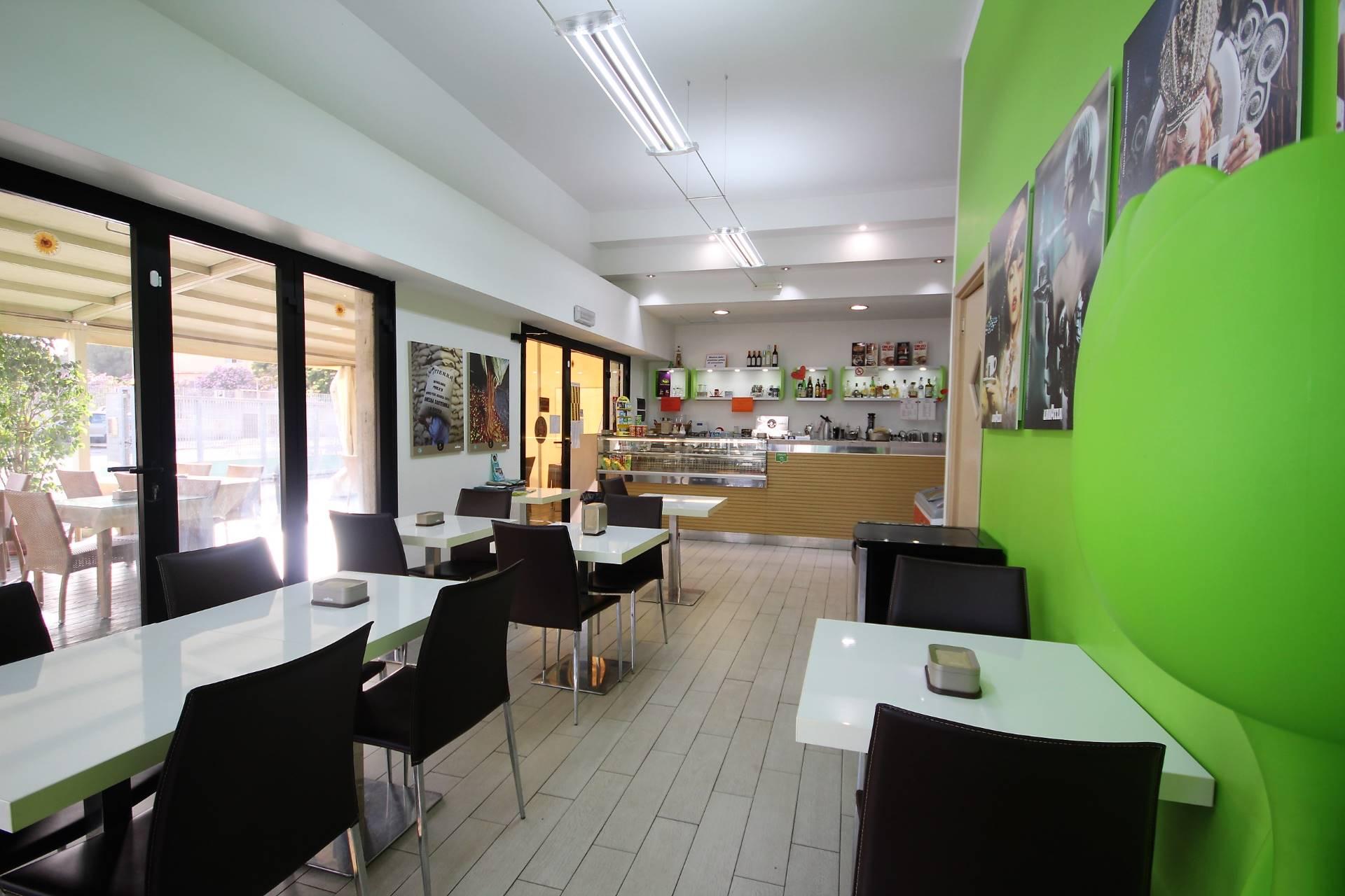 Attività / Licenza in affitto a Cagliari, 9999 locali, prezzo € 2.500   CambioCasa.it