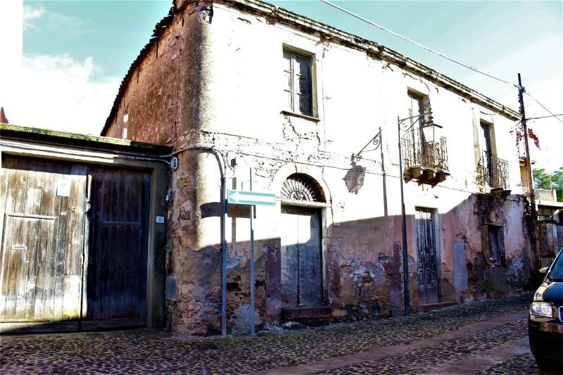 Soluzione Indipendente in vendita a Sardara, 11 locali, prezzo € 25.000 | CambioCasa.it