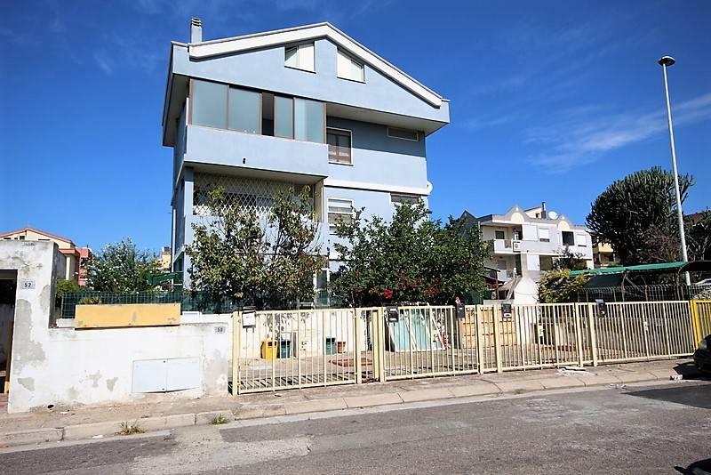 Appartamento in vendita a Quartu Sant'Elena, 3 locali, zona Località: SanBendetto-ViaFiume, prezzo € 135.000 | PortaleAgenzieImmobiliari.it