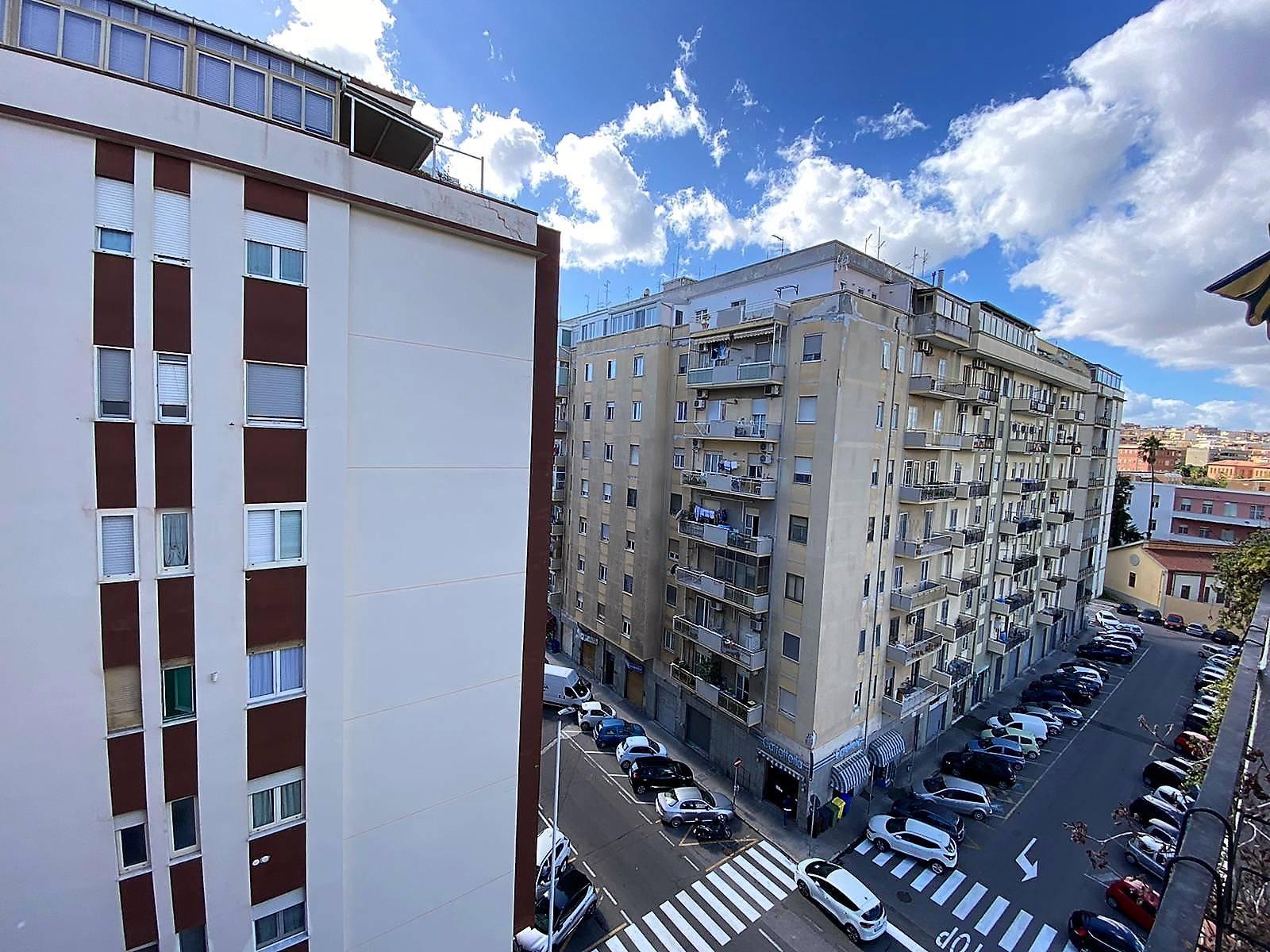 Appartamento, 120 Mq, Vendita - Cagliari (Cagliari)