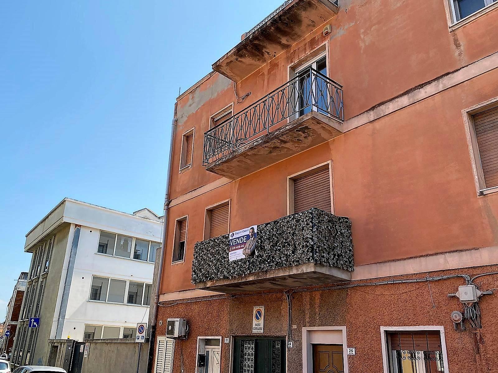 Appartamento in vendita a Cagliari, 3 locali, zona Zona: Pirri, prezzo € 105.000 | CambioCasa.it