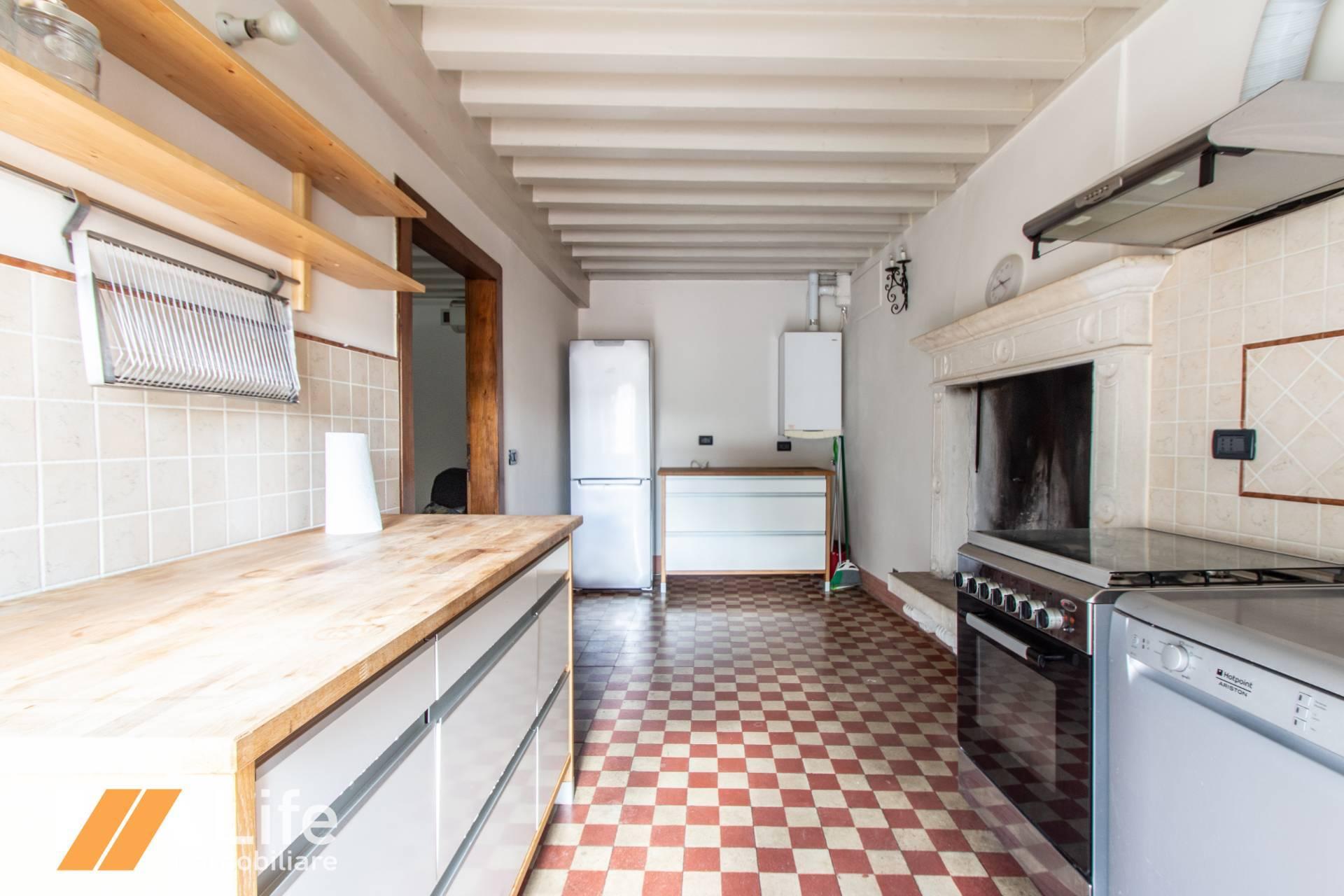 Appartamento VICENZA affitto  Giard. Salvi-C.so Fogazzaro  LIFE immobiliare
